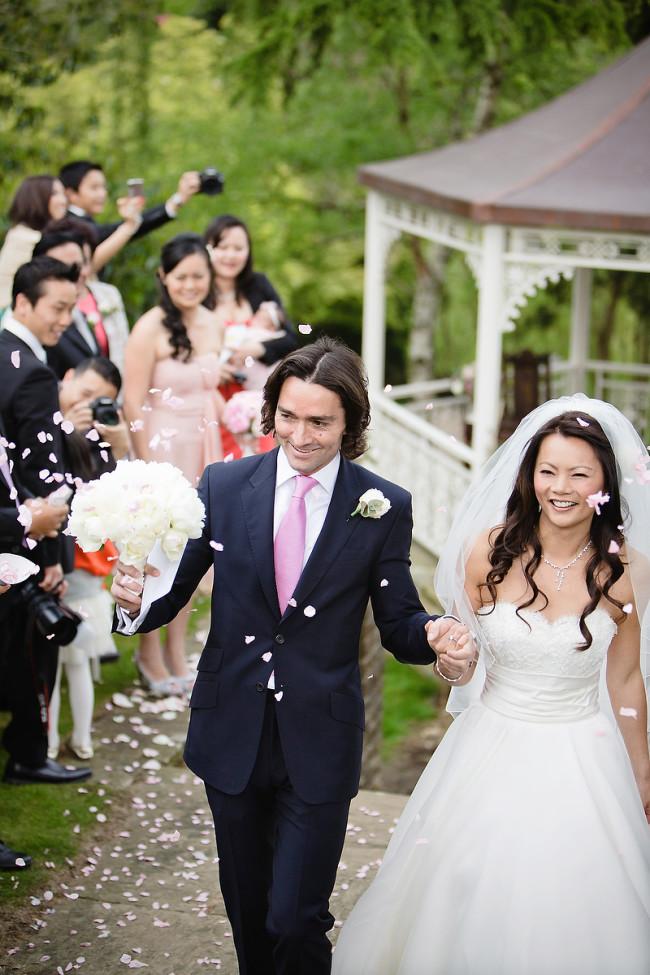 White bridal bouquet inspiration
