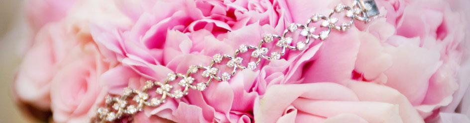 Pink wedding flowers inspiration